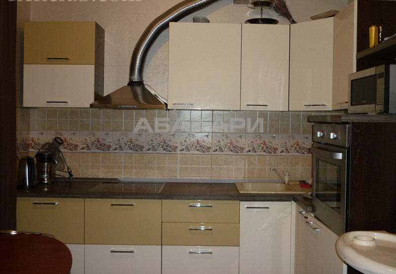 3-комнатная 78-й Добровольческой Бригады Взлетка мкр-н за 45000 руб/мес фото 3