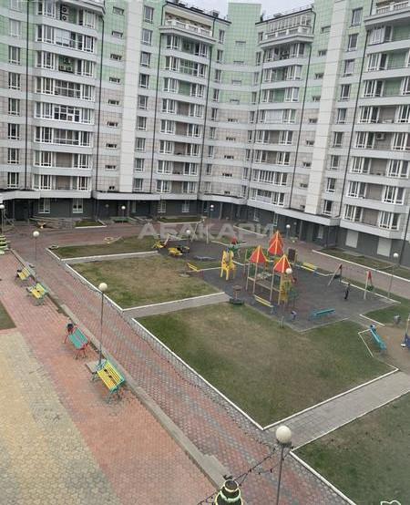 3-комнатная Алексеева Взлетка мкр-н за 35000 руб/мес фото 12