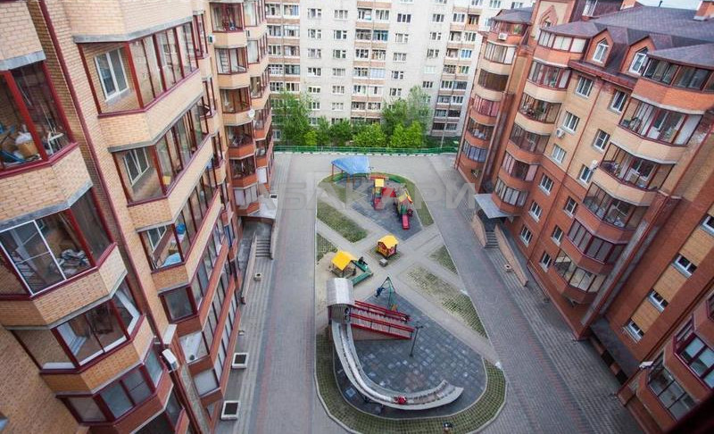 2-комнатная Белопольского Свободный пр. за 23000 руб/мес фото 3