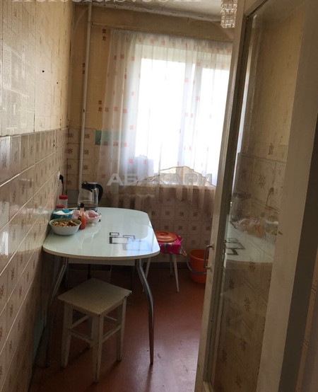 3-комнатная 60 лет Октября  за 18000 руб/мес фото 3