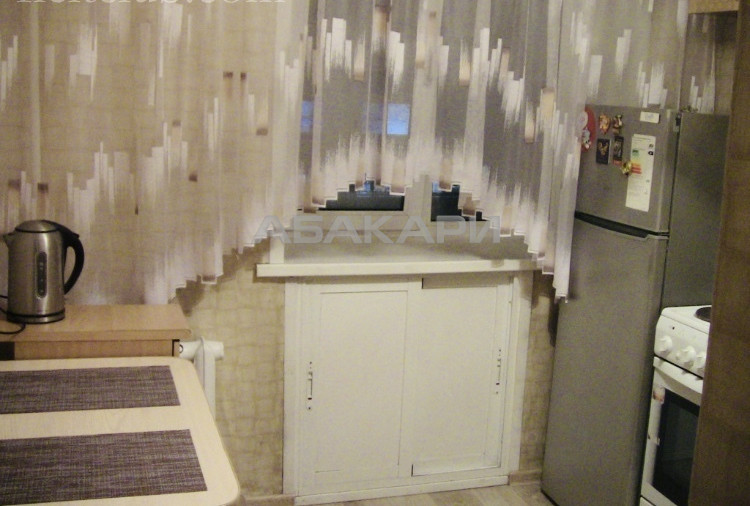 1-комнатная Сурикова Центр за 16000 руб/мес фото 9