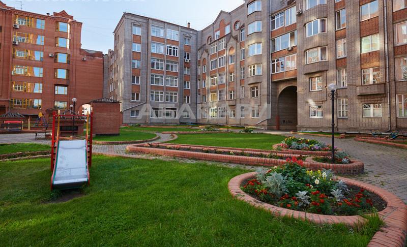 3-комнатная Марковского Центр за 55000 руб/мес фото 6