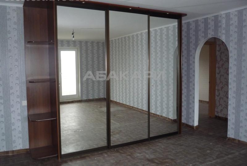 3-комнатная Кравченко Свободный пр. за 18000 руб/мес фото 1