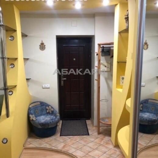 2-комнатная Сурикова Центр за 30000 руб/мес фото 1