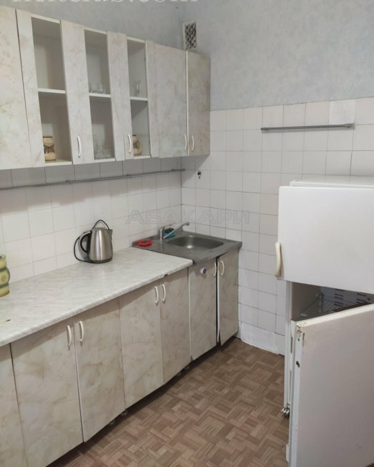 3-комнатная Взлетная Партизана Железняка ул. за 25000 руб/мес фото 1